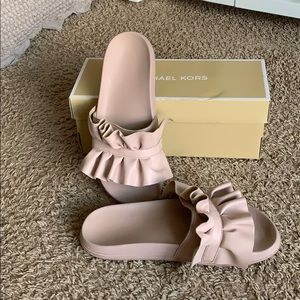 Michael Kors Bella Sport Slide